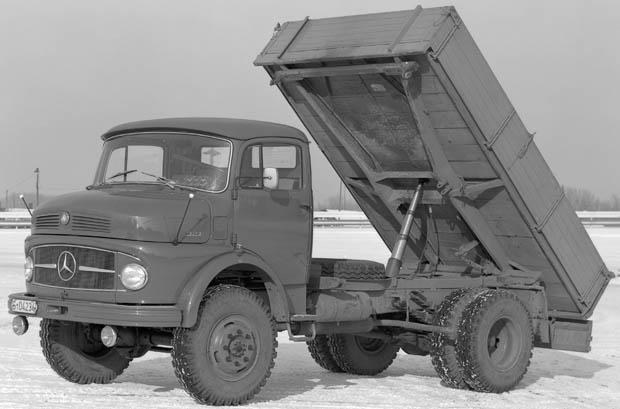 Daimler-benz_L322