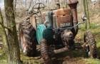 Waldarbeiten mit dem Oldtimer Trecker