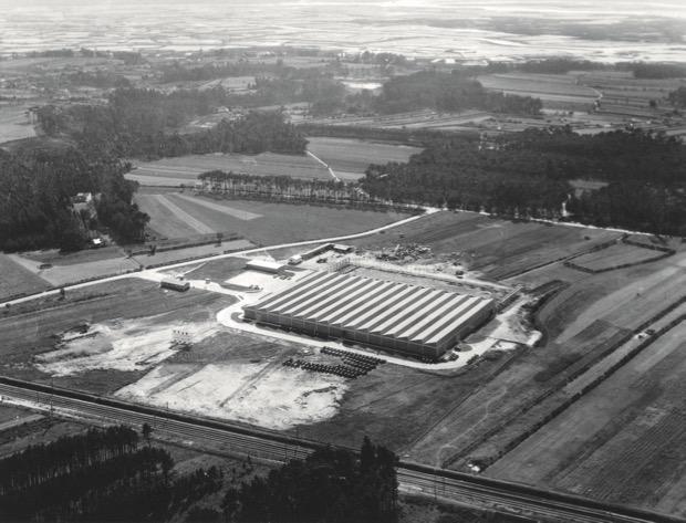 Das erste Valmet Traktoren Werk in Portugal in Aveiro 1964.