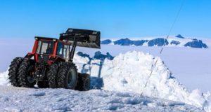 Valmet 505 ein zuverlässige Traktor in der Antarktis
